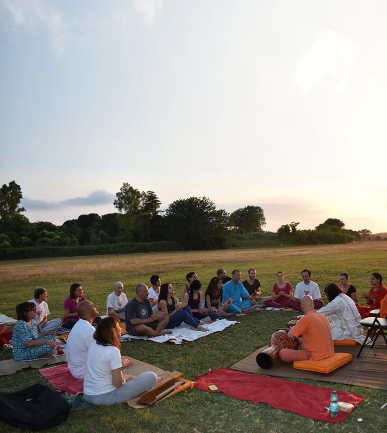 Dal 4 di settembre riaprono le attività nel nostro Ashram Yoga!